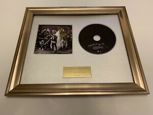 SIGNED/AUTOGRAPHED YUNGBLUD - THE UNDERRATED YOUTH FRAMED CD PRESENTATION