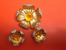SIGNED JOAN RIVERS CLEAR RHINESTONES GOLD COLOR FLOWER PIN BROOCH EARRINGS SET