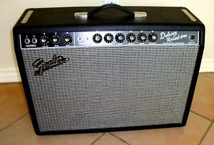 """Fender Vintage Reissue '65 Deluxe Reverb 1x12"""" Tube Combo Amplifier w/footswitch"""