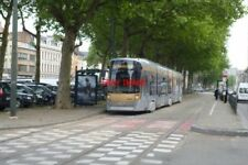 PHOTO  2012 BELGIUM TRAM BRUXELLES AVE MIDI TRAM NO 3045 ON ROUTE NO 82 >NW