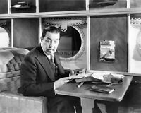 """WARNER OLAND IN THE FILM """"CHARLIE CHAN'S SECRET"""" - 8X10 PUBLICITY PHOTO (FB-297)"""
