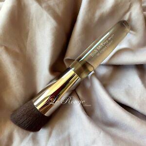 TRISH MCEVOY Brush #96 Angled Shaper ( foundation, powder ) kabuki **NEW
