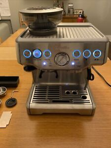 Breville BES860XL the Barista Express Espresso Machine with grinder