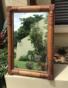 BEAUTIFUL ANTIQUE AMERICAN FEDERAL CARVED GOLDEN OAK WALL MIRROR