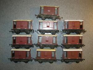 10 Triang OO Gauge R16 BR 20 Ton Guards Brake Vans