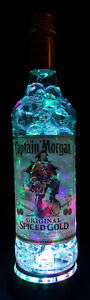 """Captain Morgan - Flaschen Lampe mit LED Podest """"Bubble"""" Upcycling Geschenk Idee"""