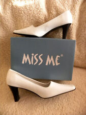 MISS ME White Square Toe Shoe with a Black Heel Women's Shoes -Sz 9M - NEW