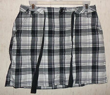 EXCELLENT WOMENS ST. JOHN'S BAY BLACK PLAID SKORT  SIZE 4