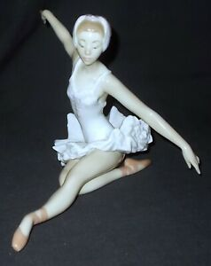 Lladro SWAN BALLET # 5920 Signed Figure - Made in Spain