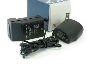 Hasselblad BC-H Battery Charger+Li-Ion battery 2900mAh. Excellent Condition