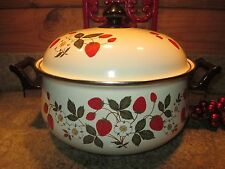 Sheffield Strawberries n' Cream Porcelain on Steel Gourmet 5-1/2qt Dutch Oven