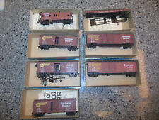 Assembled Athearn HO Scale Box Cars, Flat Car and Caboose - Lot of Seven (7)