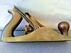 VINTAGE STANLEY BAILEY  No.3 WOOD PLANE WITH CORRUGATED BOTTOM, 9'' LONG