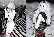 Publicité advertising 2012 (2 pages) Pret à porter Guess avec Claudia Schiffer