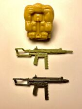1984 ORIGINAL GI JOE DUKE BACKPACK AND 2 RIFLE GUN WEAPON ACCESSORIES VINTAGE