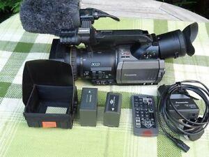 Panasonic AG-DVX-100 Mini DV Professional Camcorder Kit