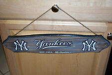 New York Yankees (NY) Wooden Sign with Rope Hanger NWT