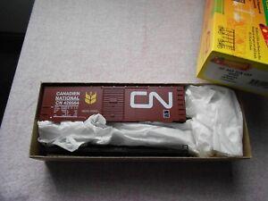 ROUNDHOUSE 40' AAR STEEL BOX CAR HO GAUGE CANADIAN NATIONAL PLASTIC KIT  NIB