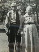 GRANDMA & GRANDPA OLD FARMER COUPLE VINTAGE PHOTO BLACK & WHITE ORIGINAL