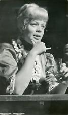 Actrice Dora Doll au bar de La Reine Blanche, 1954, vintage silver print vintage
