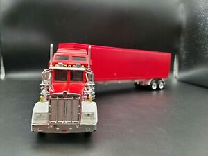 1/43 New Ray Kenworth W900L Die-cast With Matching Trailer