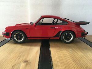 PREMIUM CLASSIXXS Porsche 911 Carrera 3.2 sans boîte Rouge 1/12 Voiture