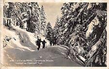 BR10361 le col de porte ski  caravane de skieurs charmant som  france