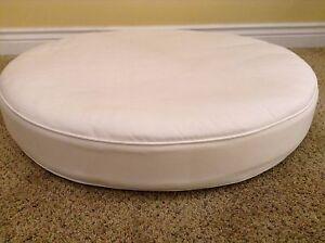 Frontgate Monterey Outdoor Patio Sofa CIRCLE OTTOMAN cushion 37x37 White round