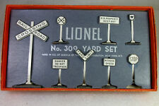 LIONEL: POSTWAR 309 YARD SIGN SET EXCELLENT+ WITH ORIGINAL BOX