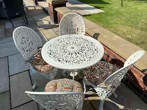 Superb Cast Iron Patio Table With 4 Chairs & 4 Cushions - In Gr8 Condition!