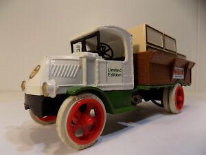 ERTL #9014  1926 1:38 Mack Bulldog Truck Bank w/Crates - Winn Dixie Supermarkets