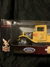 ROAD SIGNATURE '34 FORD PICKUP PRO-STREET ROD YELLOW | FLAMES 1:18 DIECAST CAR