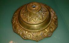 1 rosace en bronze ou laiton lustre Diam : 12 cm  profondeur: 4,5 cm beau relief