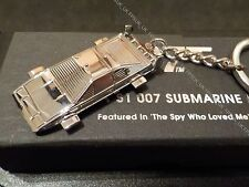 OFFICIAL LOTUS ESPRIT SUBMARINE SILVER METAL KEYRING JAMES BOND 007 CAR NEW