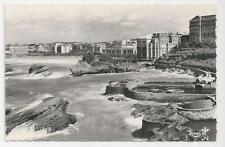 Postcard, C.A.P - PARIS, Biarritz - Le Port des Pecheurs et le Casino
