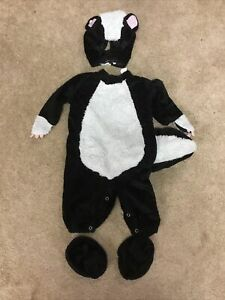 chasng fireflies in character baby skunk costume 6-12 mo