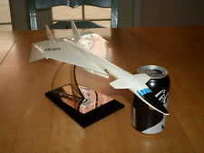 NORTH AMERICAN [ U.S.A.F.] XB-70 VALKYRIE, TOPPING FACTORY PLASTIC MODEL STATUE