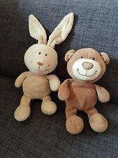 Bär oder Hase von Tower Toys mit Klingelrassel ca 20 cm  top Zustand