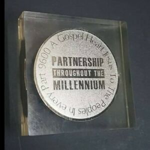 2000 medal paperweight gospel Jesus to the people heart  millennium year rare!