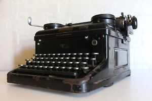 Antique Royal Typewriter - Excellent Working Condition - Full Working order!