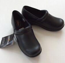 SafeTstep Women's Nursing Shoes GRETCHEN Smooth Black Clogs Slip Resistant 5.5