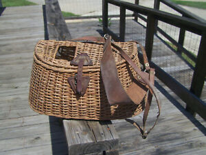 Old Antique Vintage Bamboo Wicker Basket Creel Trout Fishing Lures Baits Bobbers