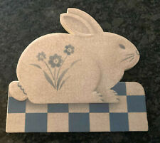 """""""A Touch Of Country"""" Bunny 1986 Hallmark Plaque-Blue and Light Beige-De8521"""
