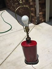 VINTAGE MID CENTURY MODERN ART DECO RED/MAROON CERAMIC ABSTRACT TABLE LAMP WORKS