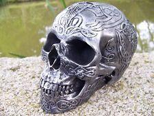 65698  TETE DE MORT SQUELETTE FIGURINE CRANE TRIBAL   HEROIC FANTASY GOTHIQUE
