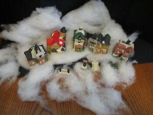 CHRISTMAS VILLAGE 9 PIECES 5 HOUSES 4 SMALL PIECES BRIDGE, LAMP POST, CHRISTMAS
