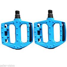 Pédales de vélo bleu