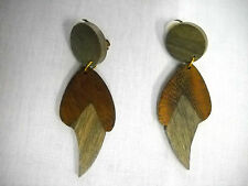 EXOTIC 2 PART CLAW / LEAF GEO SHAPE 2 TONE COLOR WOODEN CLIP ON FASHION EARRINGS