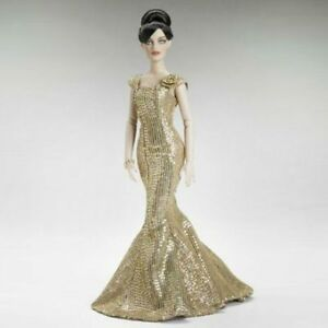 Midas Touch - Outfit from the 2011 Robert Tonner Revlon™ Collection