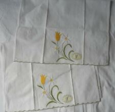 NWT PAIR WHITE COTTON HAND TOWELS WITH EMBROIDERED WHITE & YELOW FLOWERS